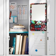 How to stay organized with your locker and your papers in middle school!